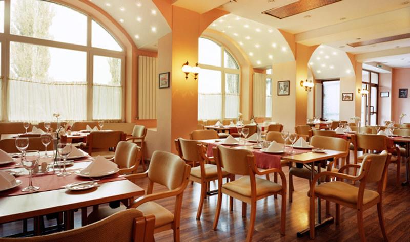 Top interior designer interior decoration service interior works interior contractors for Restaurants in Delhi,Gurgaon,NCR,India